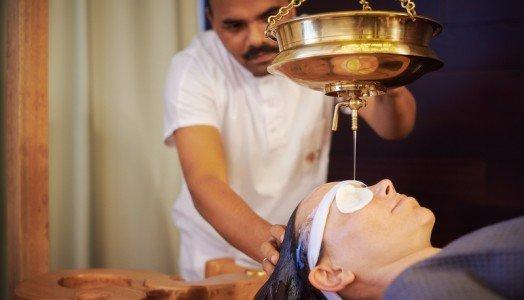 Ayurveda Clinique Bansko Shirodara procedure